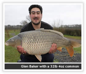 Glen Baker with a 32lb 4oz Common